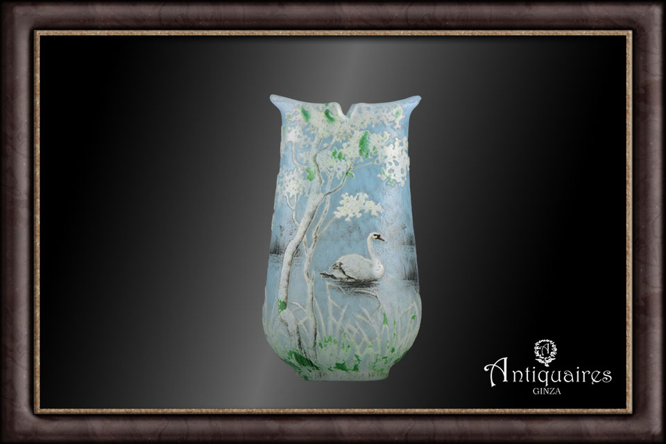 ドーム兄弟白鳥文花瓶